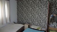 穴補修から一面張替えの寝室